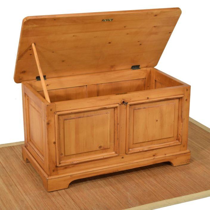 arca rústica de madera