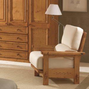 Butaca rústica de madera